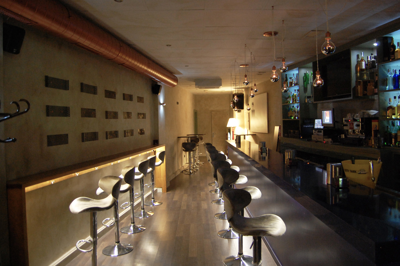 diseno interior lulaby bar copas granada